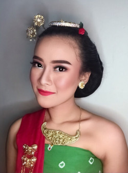 Portfolio-6-oleh-Abha-Make-Up-Artist-di-HelloBeauty