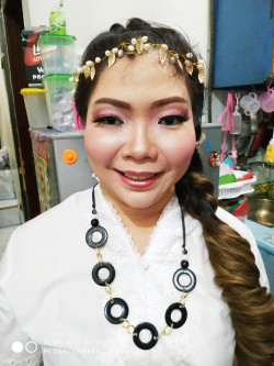 Portfolio-5-Make-up-for-partysemi-bold-permintaan-clientthx-u-for-trusting-my-make-up-oleh-Sevelline-di-HelloBeauty