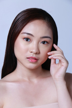 Portfolio-5-Natural-Makeup-for-Female-oleh-makeupbystaciashira-di-HelloBeauty