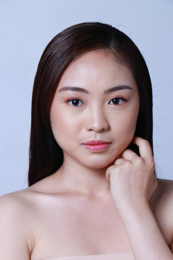 Portfolio-7-Natural-Makeup-for-Female-oleh-makeupbystaciashira-di-HelloBeauty