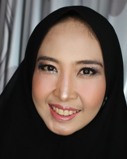 Portfolio-1-Party-makeup-Rp-350000-makeup-only-ng-oleh-N-Yulianti-Manaf-di-HelloBeauty