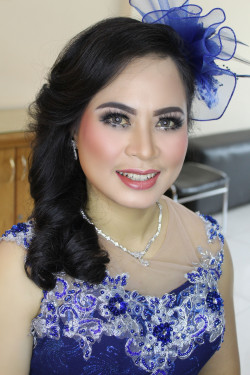 Portfolio-2-Makeup-Pre-wedding-oleh-CND-Makeup-di-HelloBeauty