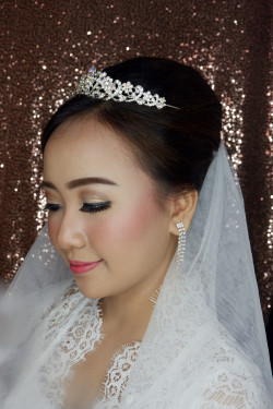 Portfolio-5-oleh-Kartika-Make-Up-di-HelloBeauty