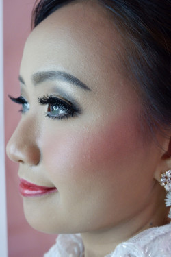Portfolio-8-oleh-Kartika-Make-Up-di-HelloBeauty