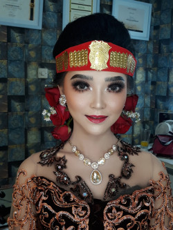 Portfolio-4-oleh-Kartika-Make-Up-di-HelloBeauty