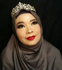 Portfolio-7-Ms-santi-Make-up-for-tan-skin-Semi-bold-red-lip-oleh-Yayuk-Nursita-di-HelloBeauty