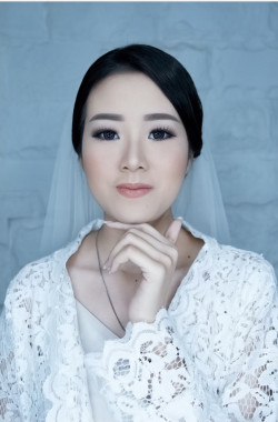 Portfolio-2-oleh-Stephani-Jinx-Make-Up-Artist-di-HelloBeauty