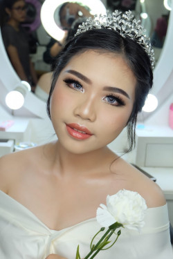 Portfolio-6-oleh-Brushed-By-Erika-di-HelloBeauty