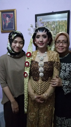 Portfolio-1-Make-Up-dan-Busana-Pengantin-Resepsi-Home-Sorry-for-bad-qualitys-photo-oleh-Tamara-Meidina-di-HelloBeauty