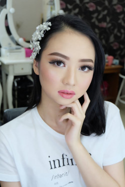 Portfolio-5-Bride-Make-Up-Look-oleh-brushed-by-michelles-di-HelloBeauty