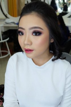 Portfolio-2-Arabian-Make-Up-Look-oleh-brushed-by-michelles-di-HelloBeauty