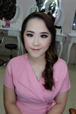 Portfolio-1-bride-make-up-look-oleh-brushed-by-michelles-di-HelloBeauty