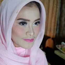 Portfolio-7-engagement-makeup-oleh-Valency-Makeup-di-HelloBeauty