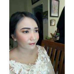 Portfolio-5-oleh-Crishely-Make-Up-di-HelloBeauty
