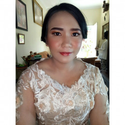 Portfolio-1-oleh-Crishely-Make-Up-di-HelloBeauty