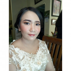 Portfolio-6-oleh-Crishely-Make-Up-di-HelloBeauty