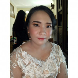 Portfolio-8-oleh-Crishely-Make-Up-di-HelloBeauty