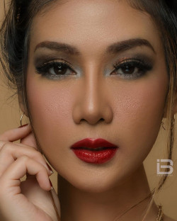 Portfolio-5-Photoshoot-for-Popular-Magazines-model-oleh-Uthe-Keren-di-HelloBeauty