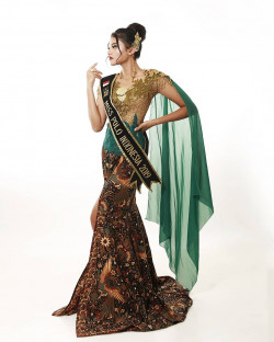 Portfolio-1-Miss-Polo-International-Photoshoot-oleh-Uthe-Keren-di-HelloBeauty