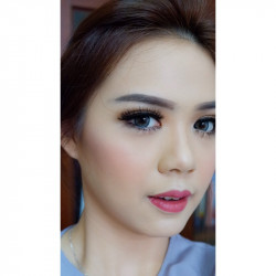 Portfolio-5-Detail-Smokey-eyes-for-Wedding-Makeup-oleh-Cindy-Aurelia-di-HelloBeauty