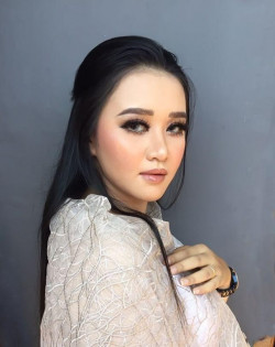 Portfolio-3-oleh-Brushed-By-Elle-di-HelloBeauty