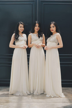 Portfolio-2-Bridesmaid-Makeup-oleh-Angelika-Lim-di-HelloBeauty