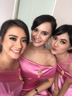 Portfolio-1-Bridesmaid-duty-oleh-Angelika-Lim-di-HelloBeauty