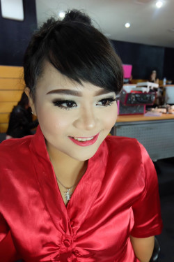 Portfolio-8-Dean-Makeup-Workshop-oleh-Angelika-Lim-di-HelloBeauty