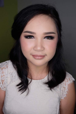 Portfolio-1-Party-Makeup-oleh-Valeria-Makeup-di-HelloBeauty