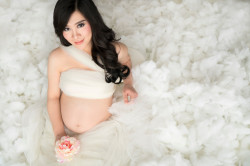 Portfolio-3-Makeup-for-Maternity-Photoshoot-oleh-Valeria-Makeup-di-HelloBeauty
