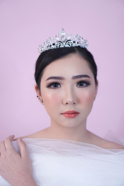 Portfolio-4-Flawless-Wedding-Make-Up-oleh-Missvee-Make-Up-di-HelloBeauty