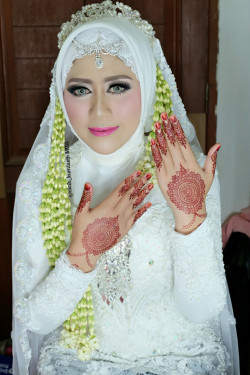 Portfolio-1-Wedding-Make-Up-oleh-Cicih-Kurniasih-di-HelloBeauty