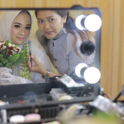 Dhian-Makeup - HelloBeauty