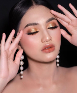 Portfolio-7-Natural-Wedding-oleh-Ayesha-Makeup-di-HelloBeauty