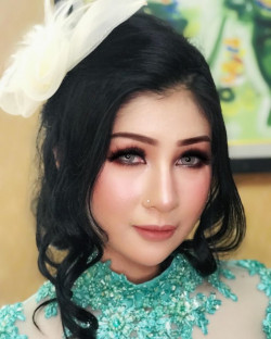 Portfolio-6-oleh-HOLLY-MAKEUP-STUDIO-di-HelloBeauty