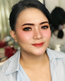 Portfolio-2-oleh-HOLLY-MAKEUP-STUDIO-di-HelloBeauty