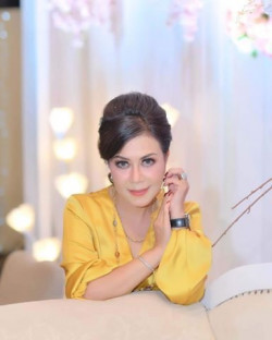 Portfolio-4-oleh-HOLLY-MAKEUP-STUDIO-di-HelloBeauty