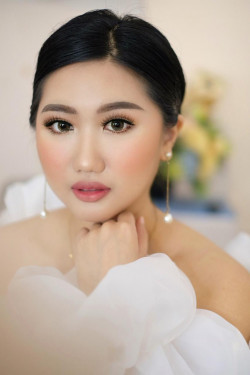 Portfolio-5-oleh-Vallery-make-up-artist-di-HelloBeauty