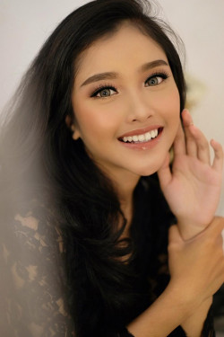 Portfolio-2-oleh-Vallery-make-up-artist-di-HelloBeauty