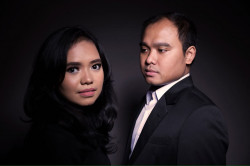 Portfolio-1-Pre-wedding-make-up-indoor-photoshoot-oleh-mooncer-mua-di-HelloBeauty