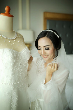 Portfolio-1-Theresia-Indah-Wedding-oleh-Ministry-Of-Makeup-di-HelloBeauty