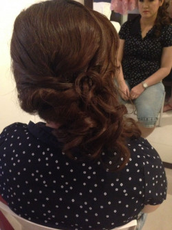Portfolio-5-hair-do-oleh-Tjong-Stephany-di-HelloBeauty