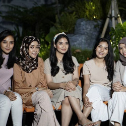 Portfolio-3-Makeup-for-Product-Photoshoot-oleh-Stella-Rizky-Amalia-di-HelloBeauty