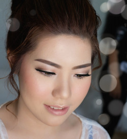 Portfolio-5-oleh-Shellen-Makeupartist-di-HelloBeauty