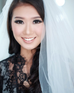 Portfolio-3-Wedding-Makeup-oleh-Donna-Liong-MakeupArtist-di-HelloBeauty