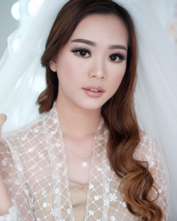 Portfolio-2-Wedding-Makeup-oleh-Donna-Liong-MakeupArtist-di-HelloBeauty