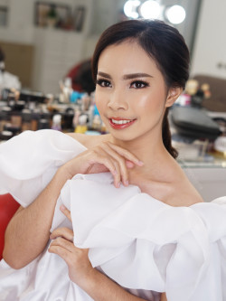 Portfolio-8-oleh-Penina-Yuliana-Make-Up-Artist-di-HelloBeauty