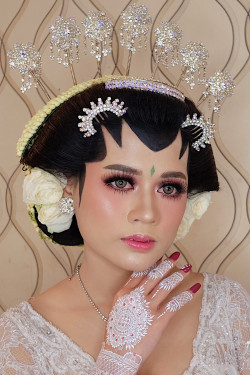 Portfolio-4-oleh-Brushed-by-Ana-MZ-di-HelloBeauty