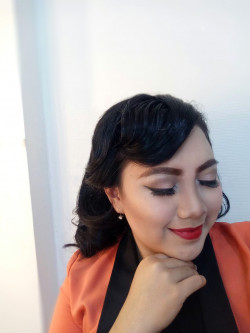 Portfolio-3-Classic-makeup-with-finger-wave-hairdo-oleh-Pinkiee-Bee-makeup-di-HelloBeauty