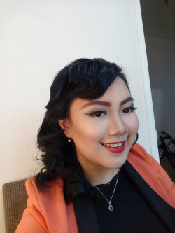 Portfolio-4-Classic-makeup-with-finger-wave-hairdo-oleh-Pinkiee-Bee-makeup-di-HelloBeauty